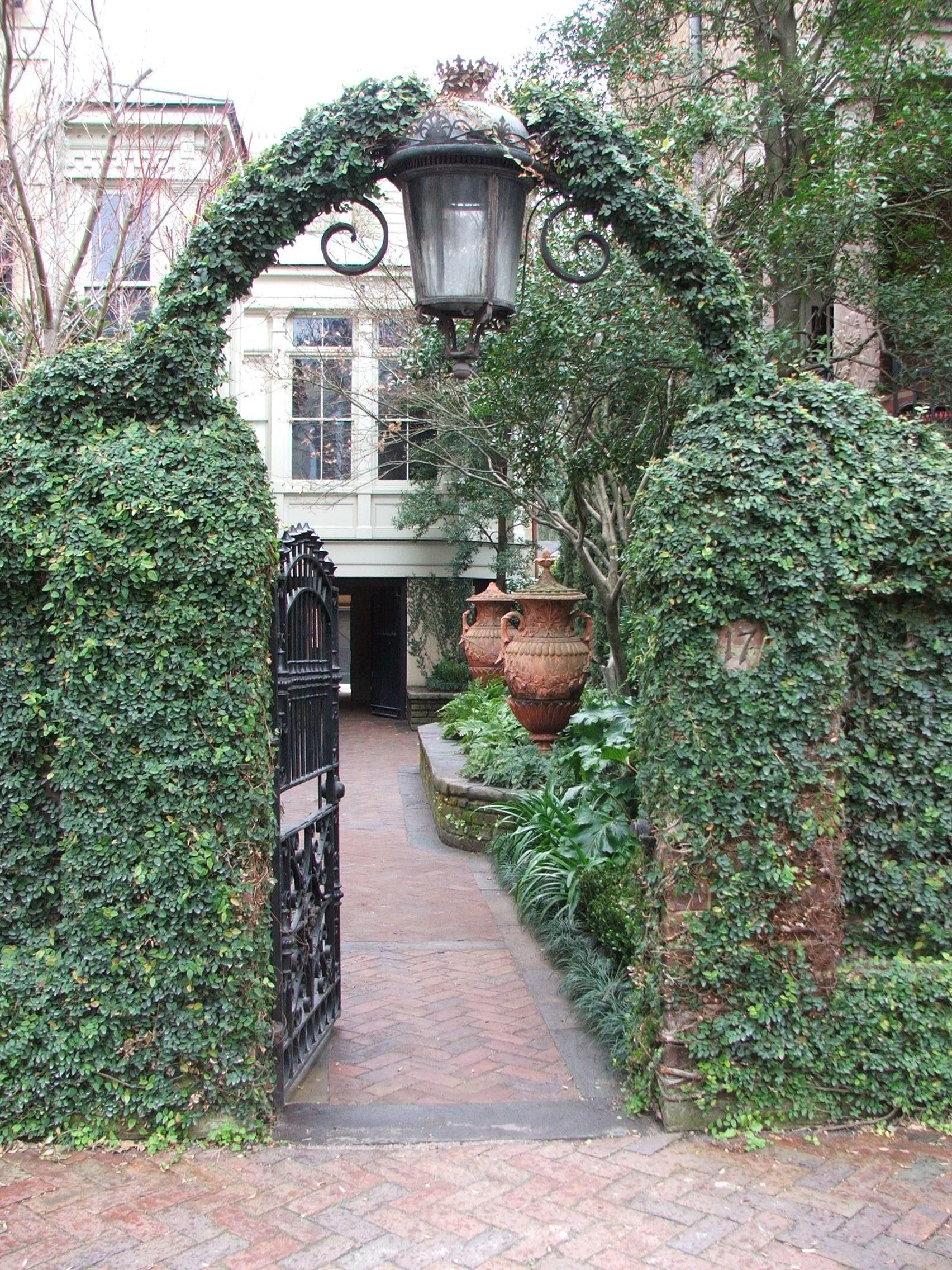 Peeking into a lush courtyard...
